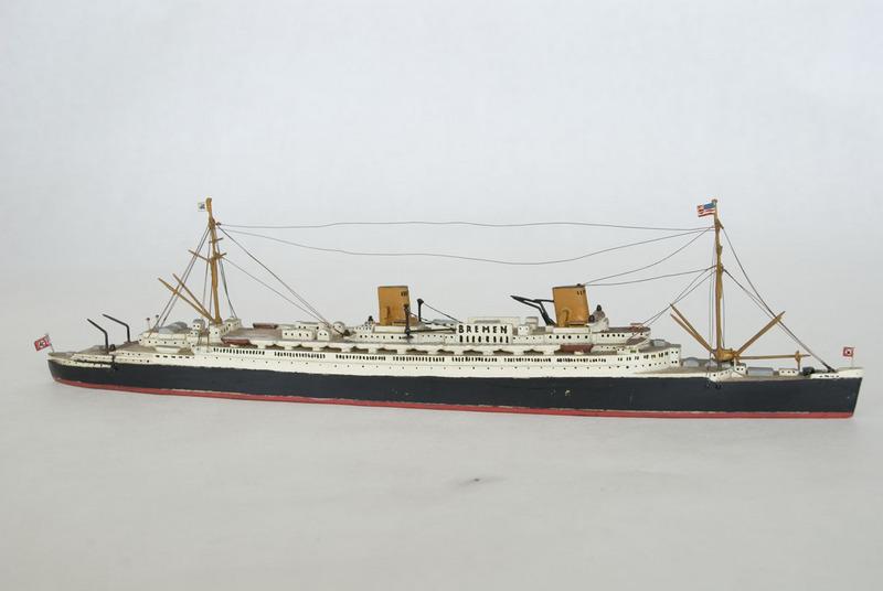 D.K.M. Bremen waterline model
