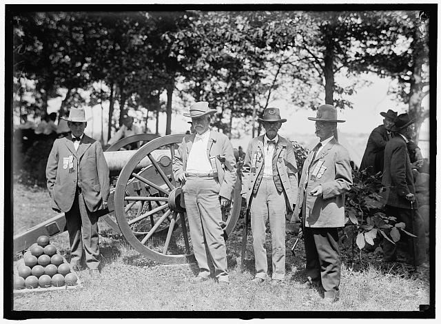 Gettysburg Reunion: G.A.R and U.C.V Veterans of the G.A.R and of the Confederacy, at the Encampment.<br />