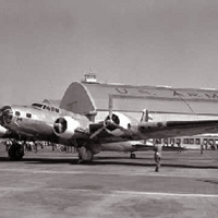 B-17B Flying Fortress McChord Field dedication ceremony and air show July 3, 1940.gif